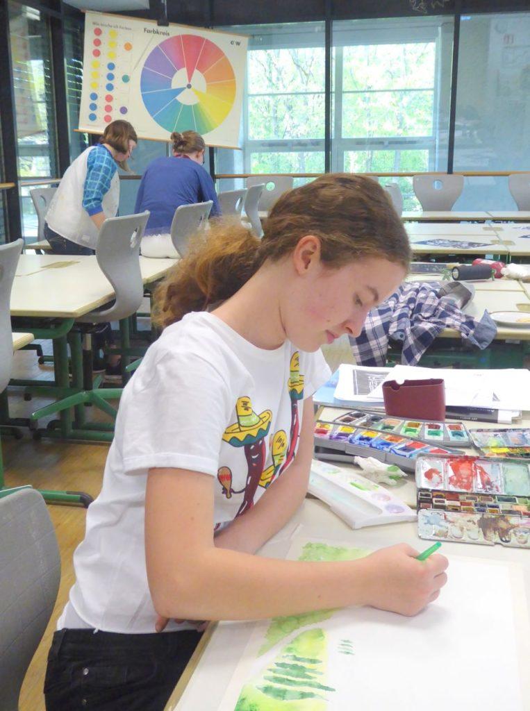 Anna beim Malen